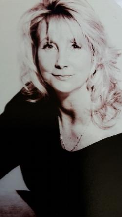 Sarah Barton Author Image